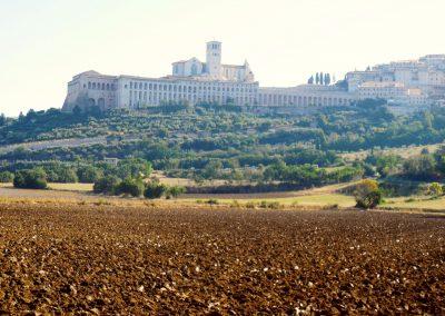 Umbrië Assisi zicht op San Franciscusbasiliek